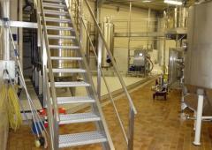 - Escalier droit cuverie inox
